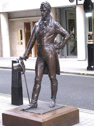 """The patron saint of clothing"" – Brummel's statue in London's Jermyn Street"