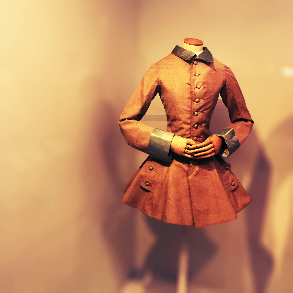 18th Century Ladies' Riding Habit, courtesy of V&A Museum